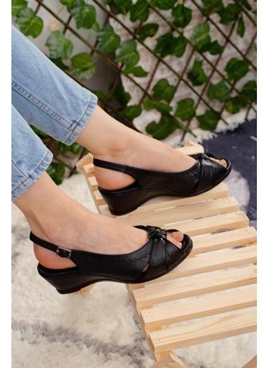 Limoya   Taba Kemerli Topuklu Sandalet Siyah